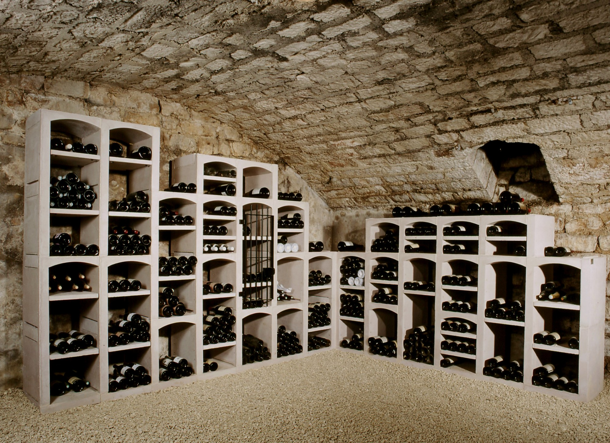 Casier cave a vin pierre