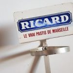 Porte bouteille mural ricard