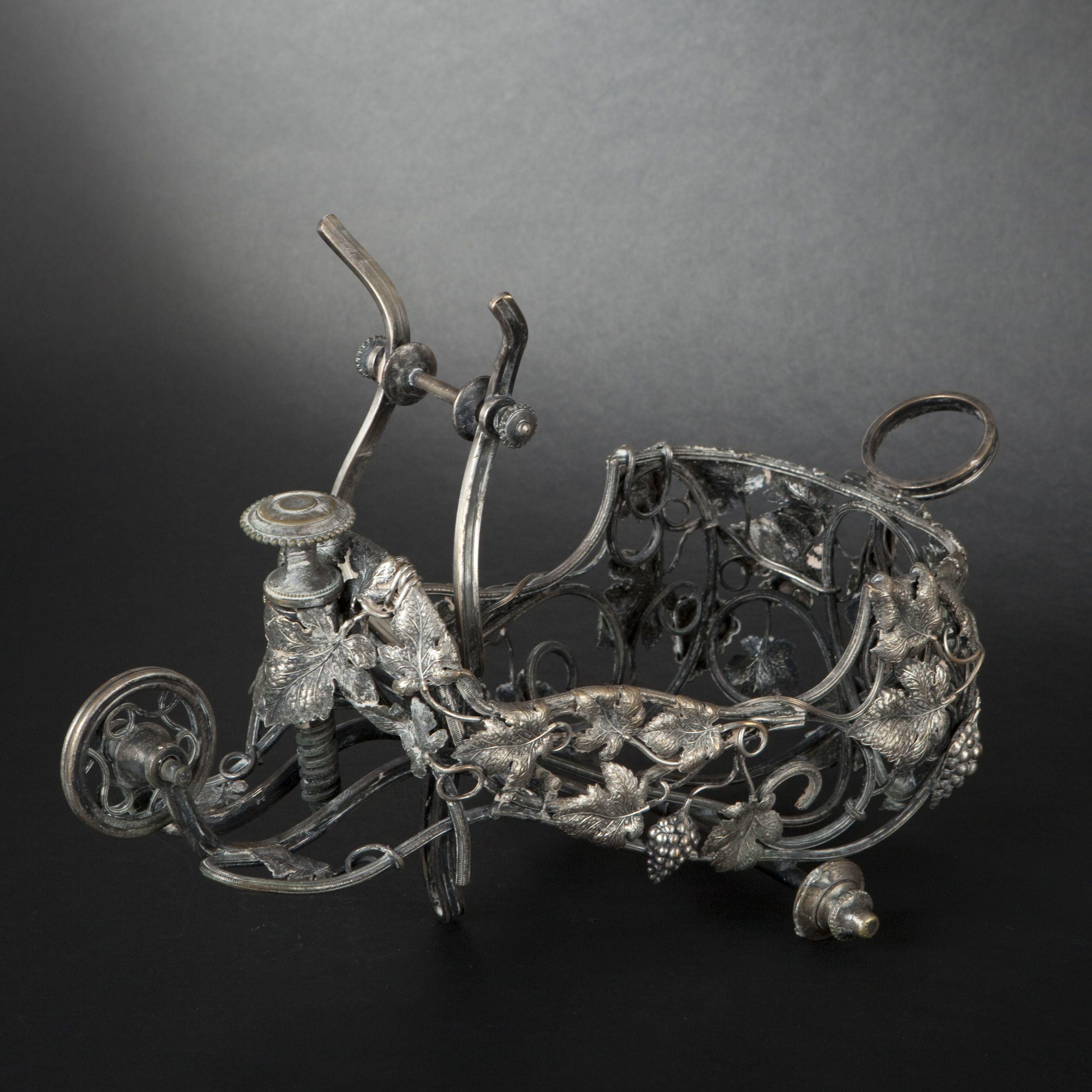 Porte bouteille en métal argenté