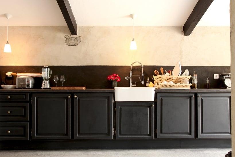 Repeindre cuisine en noir