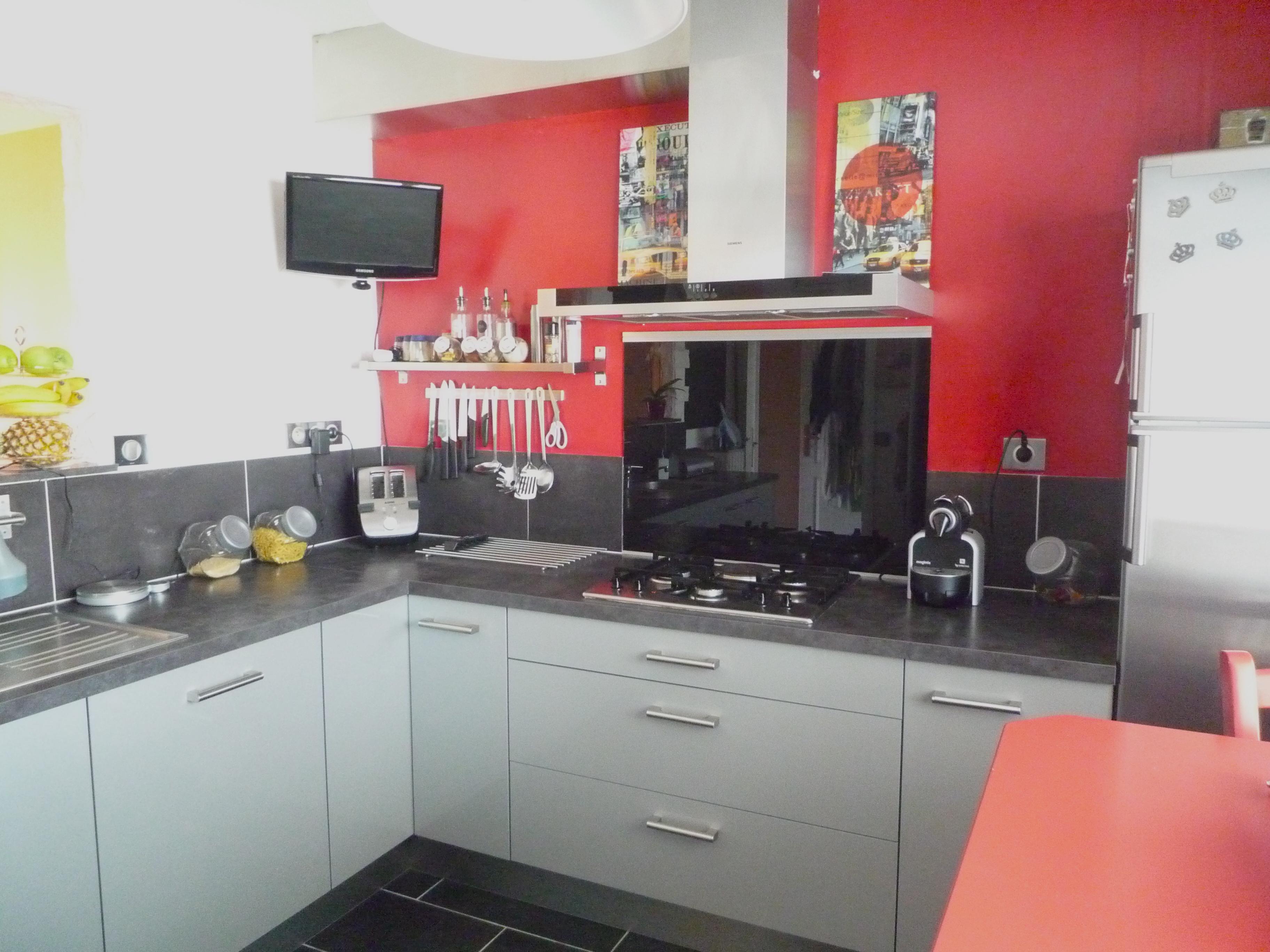 Cuisine rouge peinture mur