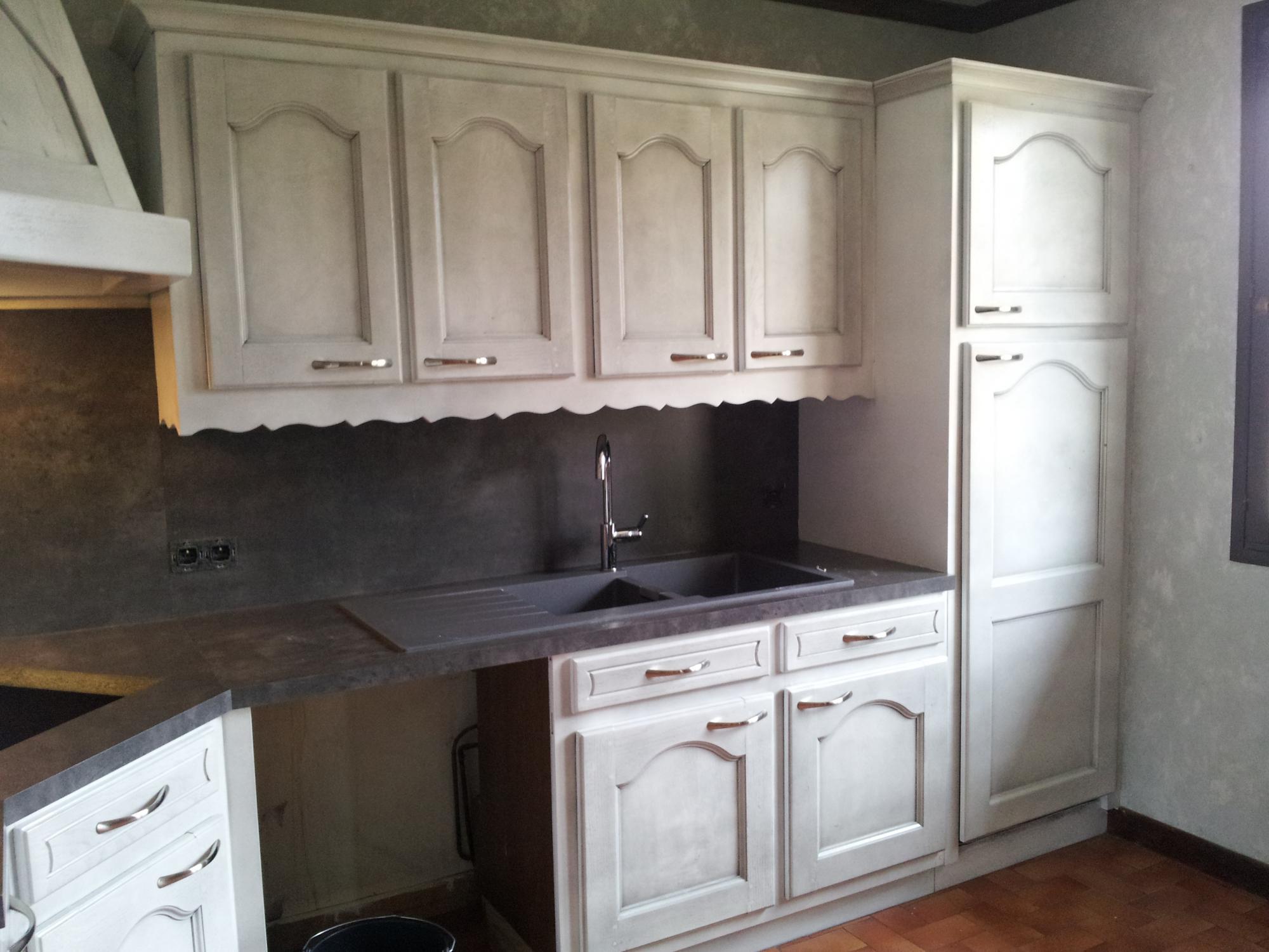 Comment repeindre une cuisine en chene massif - Renover une cuisine en chene massif ...