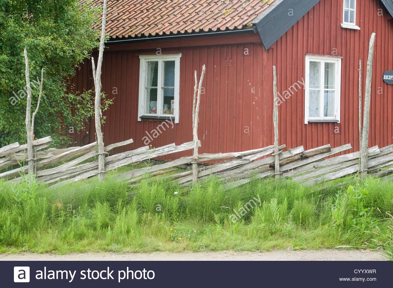 Peinture rouge maison suedoise