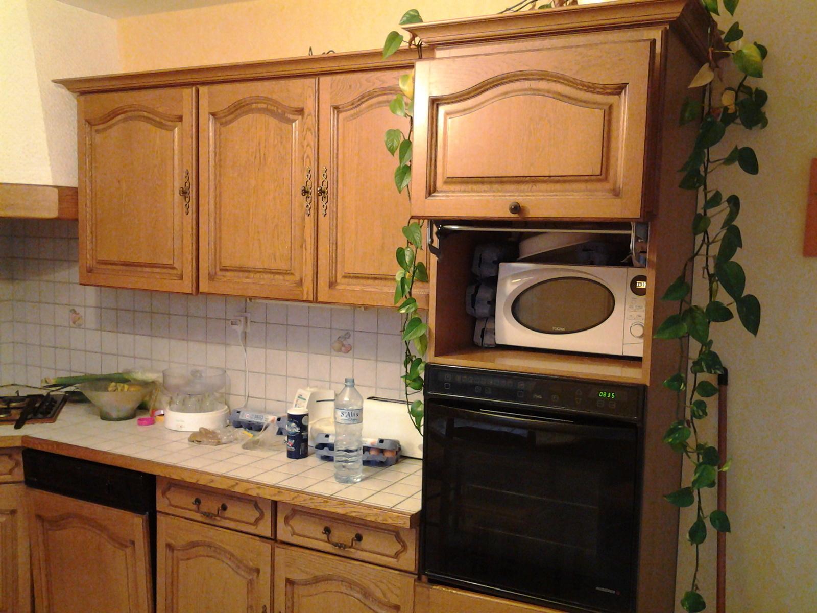 Peindre meuble cuisine avec moulure