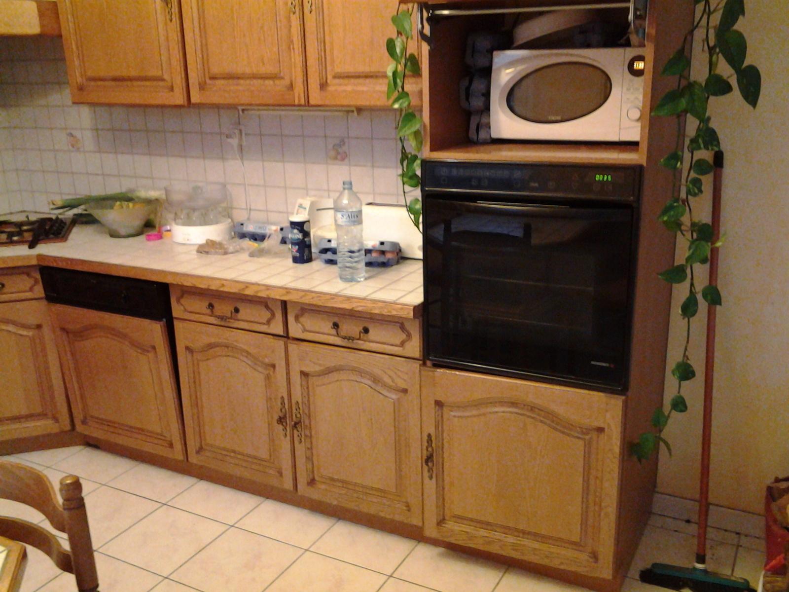 Repeindre une cuisine en chene fonce