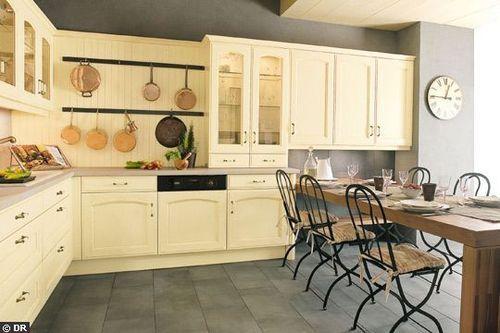 Peindre une cuisine en chene en blanc