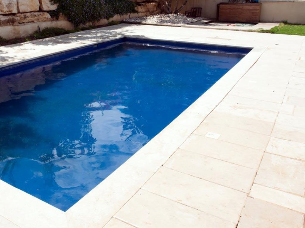 Peinture ou carrelage piscine