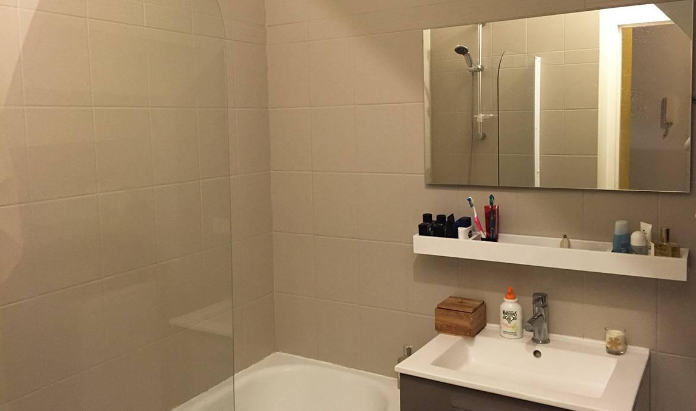 Peindre repeindre carrelage salle de bain