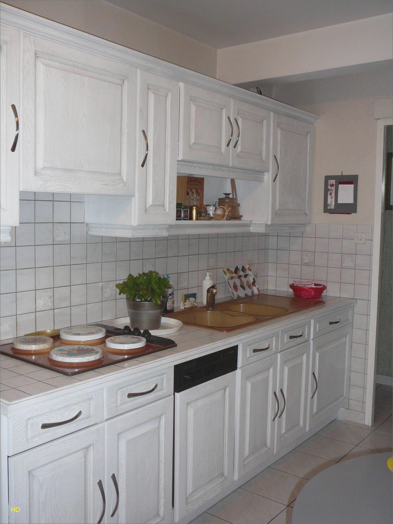 Repeindre cuisine en bois vernis