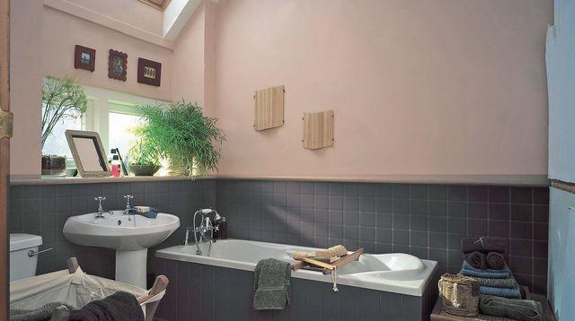 Peinture carrelage salle de bain rose